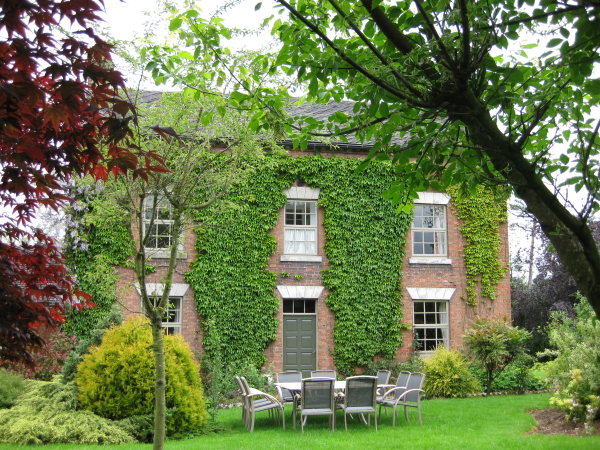 derbyshire holiday cottages sleeps 18 people
